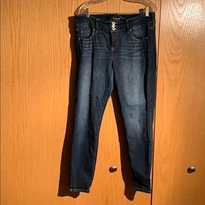 Torrid Premium Medium Wash Jegging Size 16